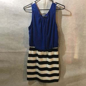 Sleeveless minidress